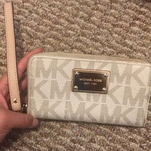 Michael Kors wallet wrist bag
